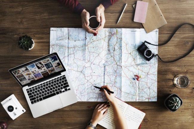 休日 家 旅行の計画