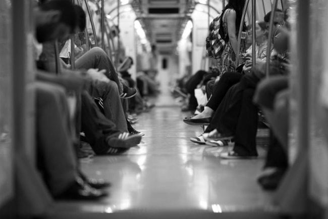 電車 公共交通機関